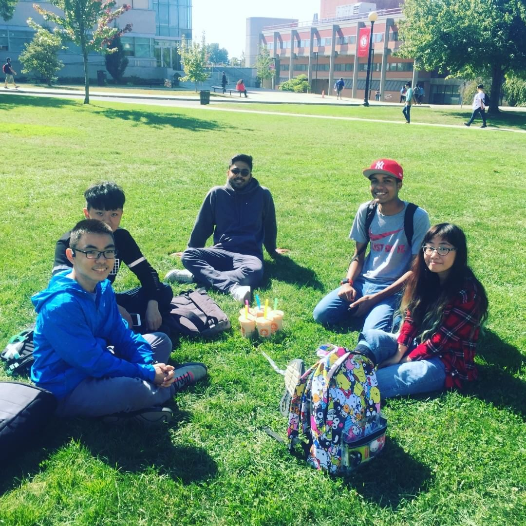 popoway and four friends met in Quad for bubble tea as donation for the hurricane.